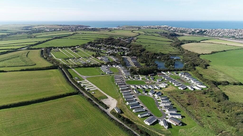 A bird's-eye view of Luxury Holidays Cornwall - Superior Holiday Homes in Crantock, Newquay